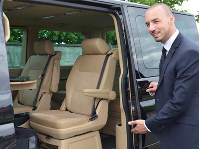 minibus vip prestigieux minibus. Black Bedroom Furniture Sets. Home Design Ideas